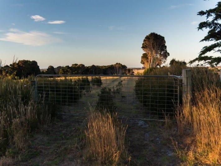 176 Grassy Rd crn Thomas Street, Currie, Tas 7256