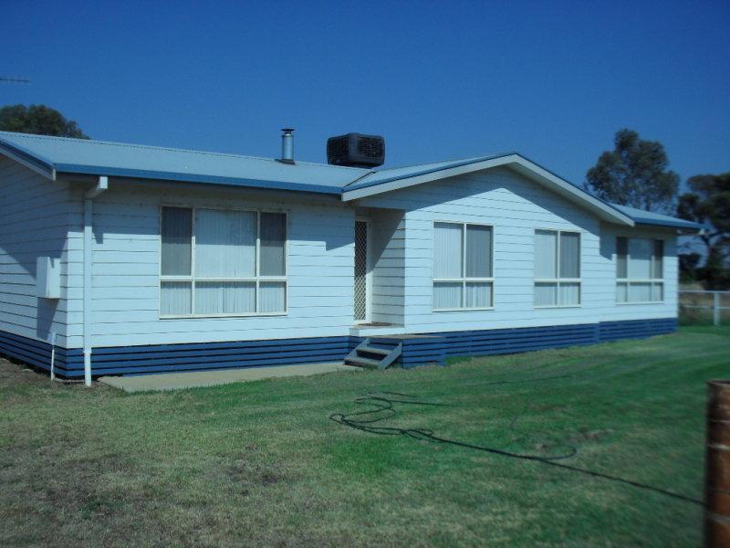 5 Naimo Rd, Leeton, NSW 2705