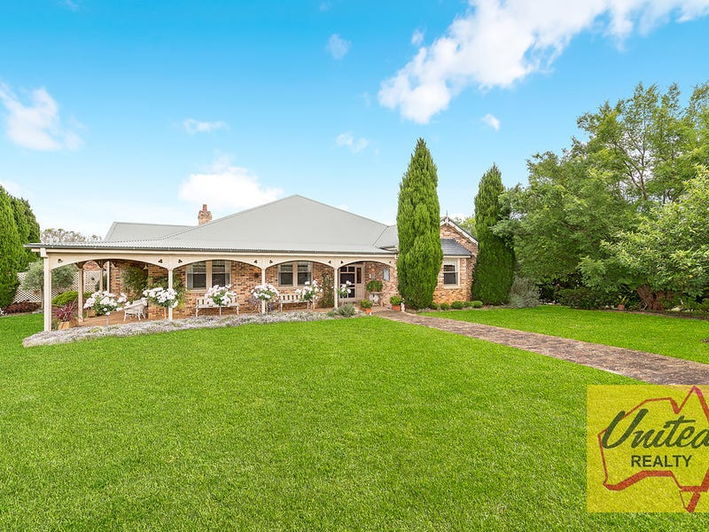 445 Mount Hercules Road, Razorback, NSW 2571