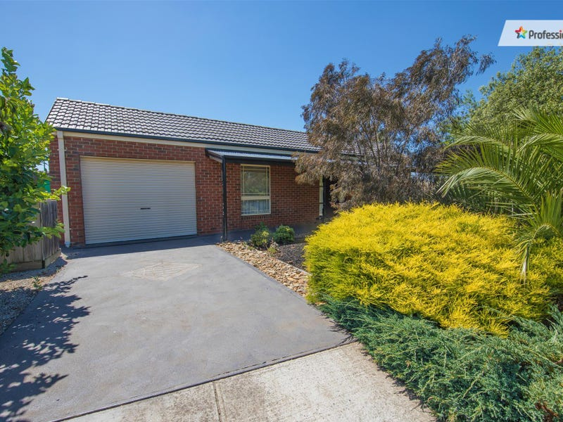 6 Emerald Court, Melton West, Vic 3337