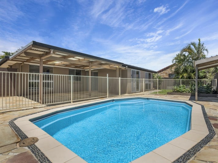 15 Holbrook Way, Elanora, Qld 4221