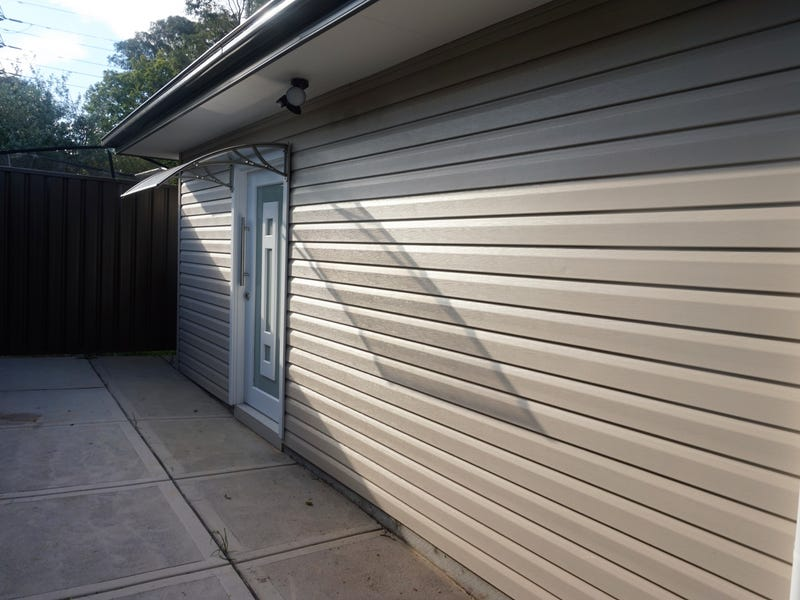 8a Ivy Street, Toongabbie, NSW 2146