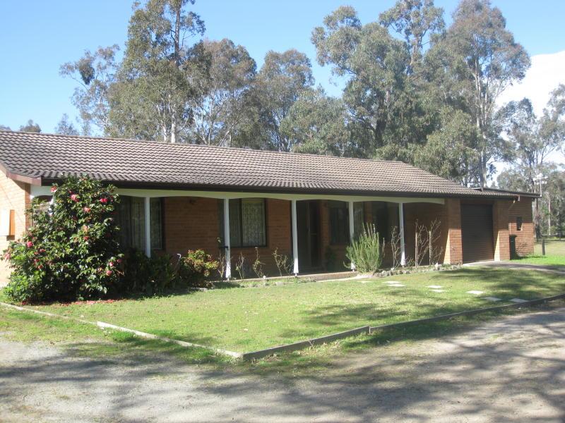124 Lake Road, Elrington, NSW 2325