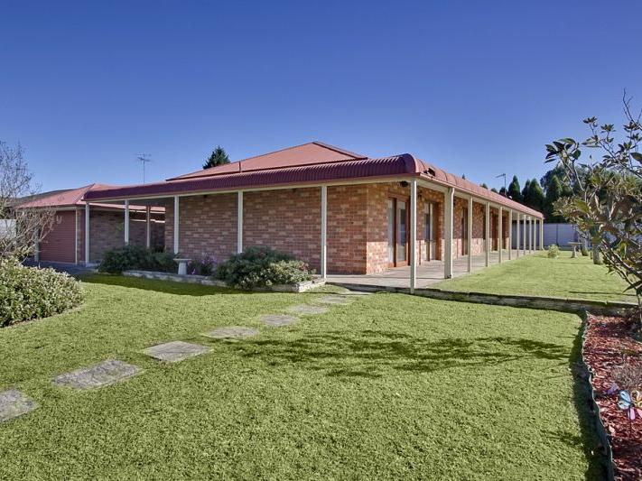 15 Albert Street, McGraths Hill, NSW 2756