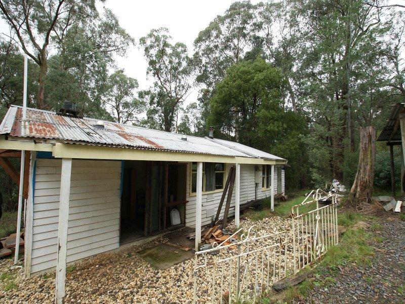 4 Acacia Court, McMahons Creek, Vic 3799