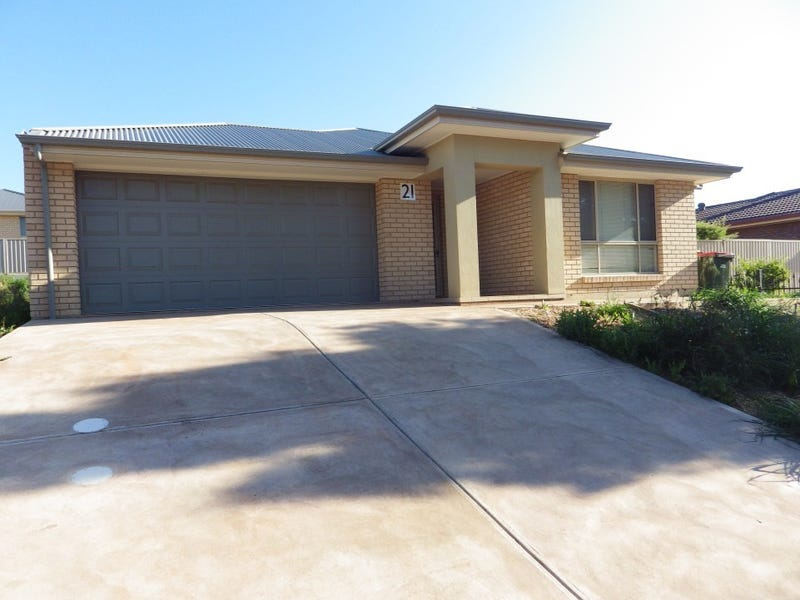 21 ESSINGTON LEWIS AVE, Whyalla