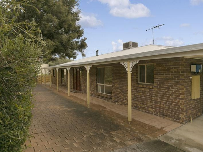 4 Omeo Close, Hallett Cove, SA 5158