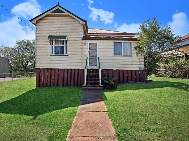 11 Kelfield Street, North Toowoomba, Qld 4350