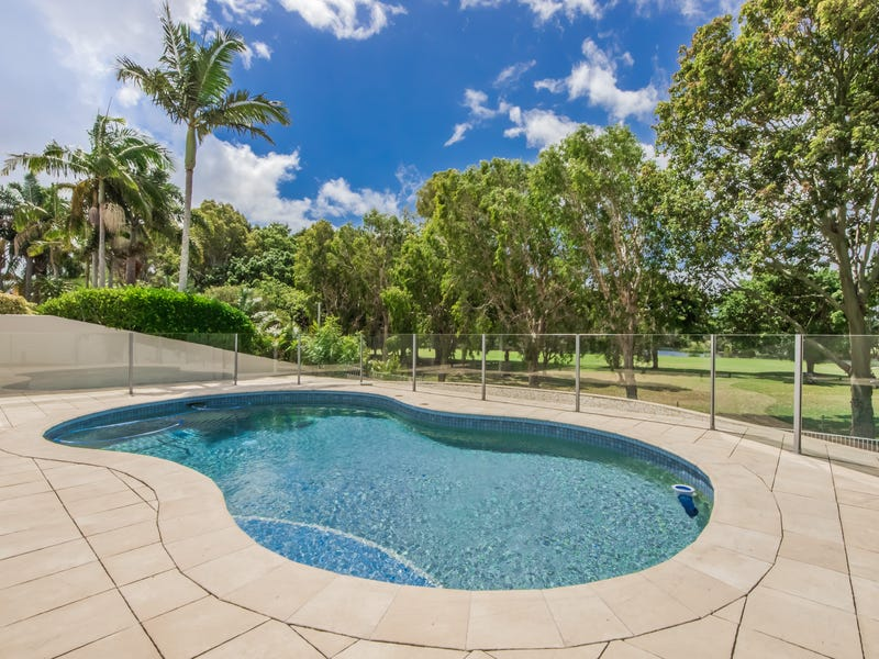71 Santa Cruz Boulevard, Clear Island Waters, Qld 4226