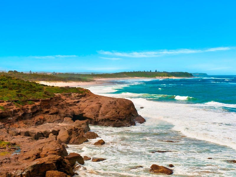 10 Copper Valley Close, Caves Beach, NSW 2281