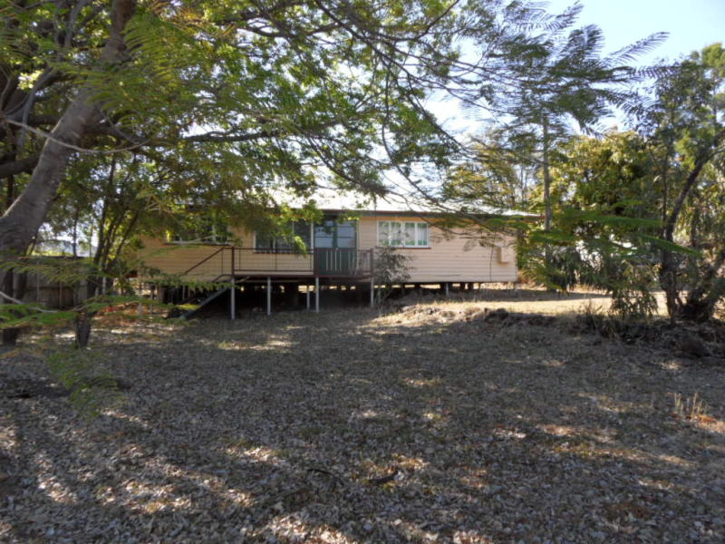 42 Wood Street, Springsure, Qld 4722