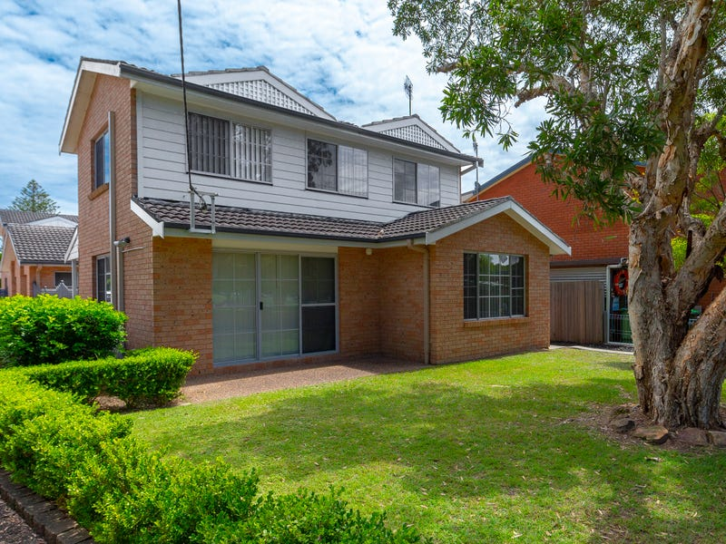 3/8 Young Street, Norah Head, NSW 2263