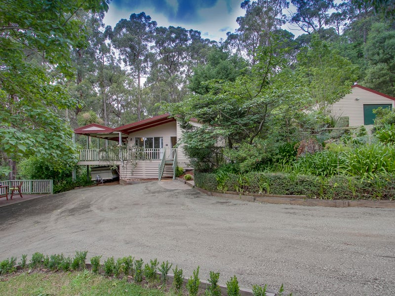 1 Halcyon Grove, Cockatoo, Vic 3781