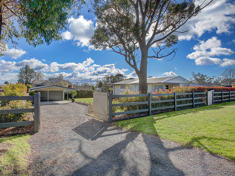 10 James Street, Hill Top, NSW 2575