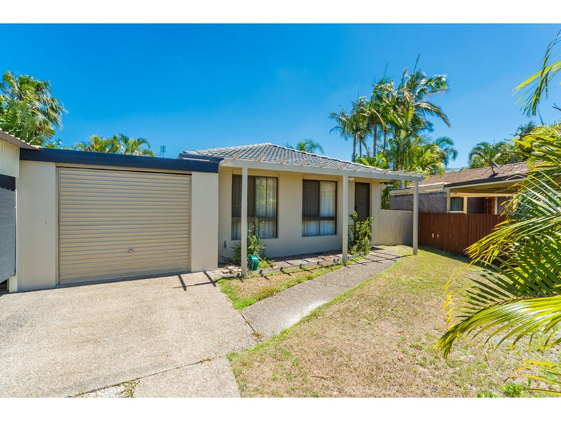 2/10 Warrie Close, Paradise Point, Qld 4216