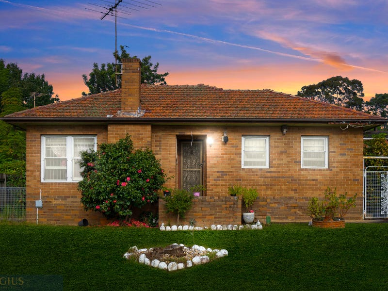 8 First Avenue, Seven Hills, NSW 2147