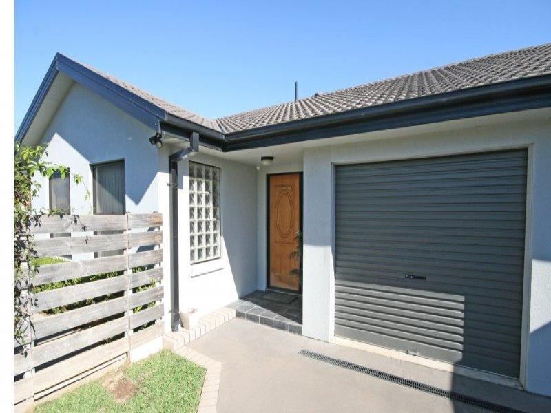 43 Gilbert Drive, Tamworth, NSW 2340