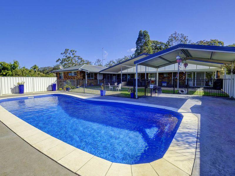67 Oakview Drive, Hallidays Point, NSW 2430