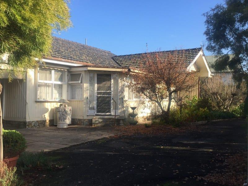 33 Kings Avenue, St Arnaud, Vic 3478