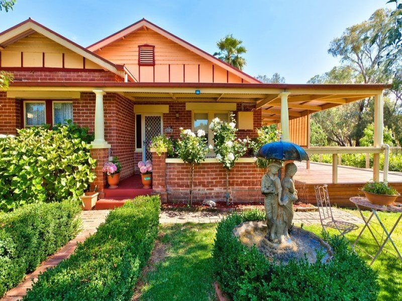 529 Overend Street, Hamilton Valley, NSW 2641