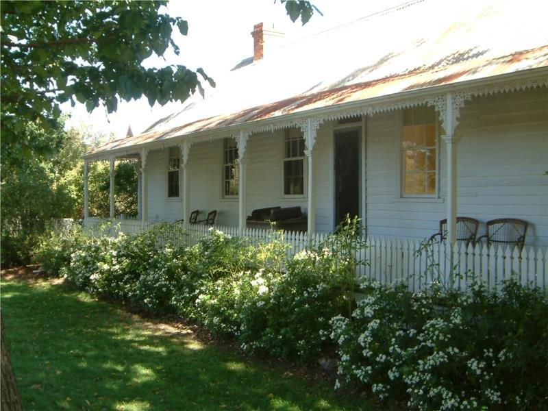 14 Hilliers Street, Newstead, Vic 3462