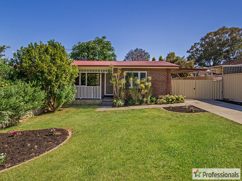 4 Knight Place, Calista, WA 6167