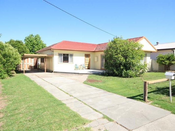 453 Kotthoff St, Lavington, NSW 2641