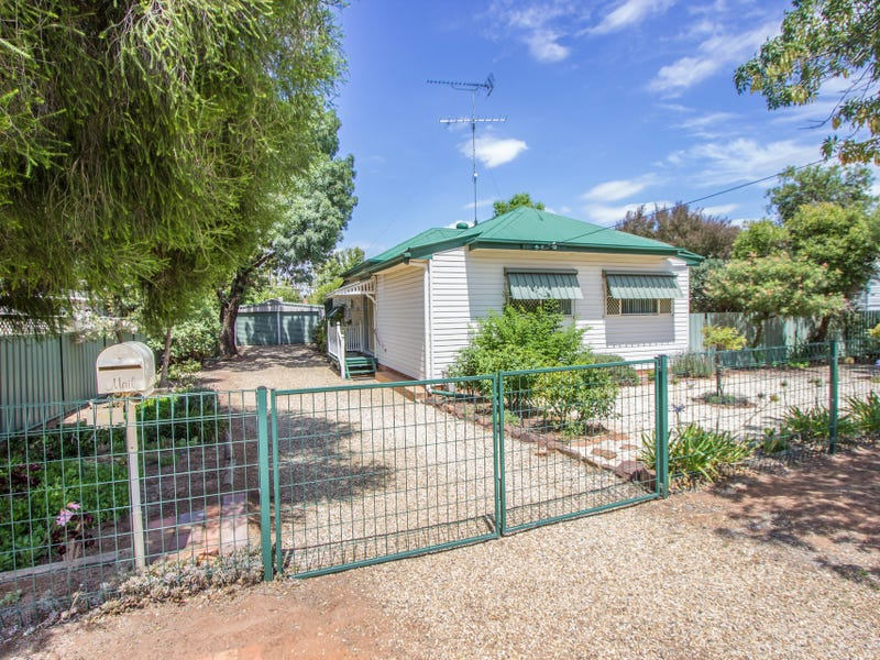 18 Grosvenor Street, Narrandera, NSW 2700