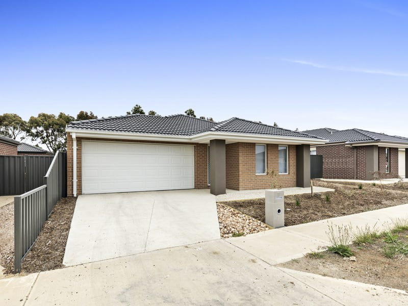 17 Whispering Circuit, Kilmore, Vic 3764