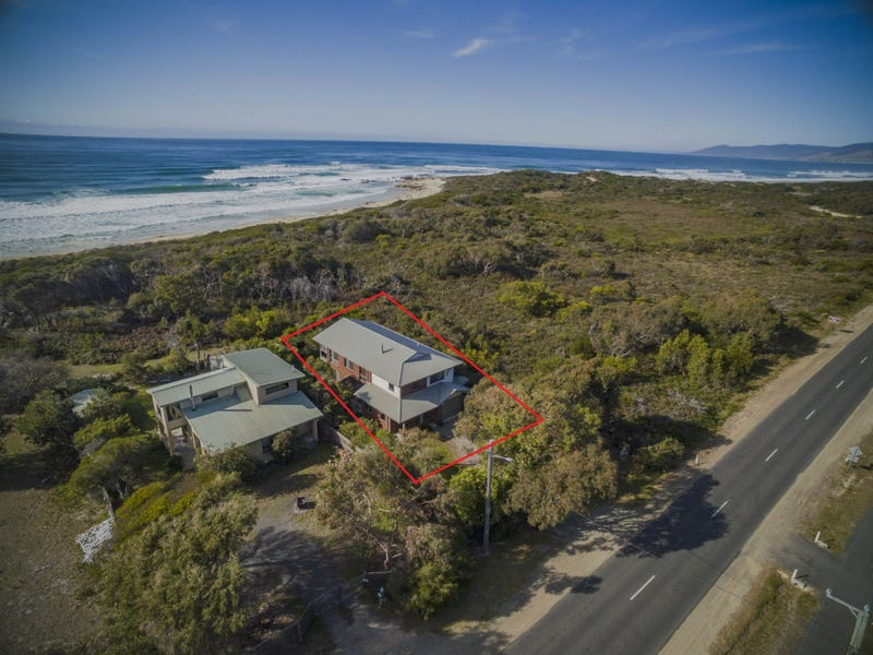 86 Tasman Highway, Beaumaris, Tas 7215