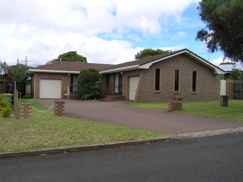 10 Clive Cres, Darling Heights, Qld 4350