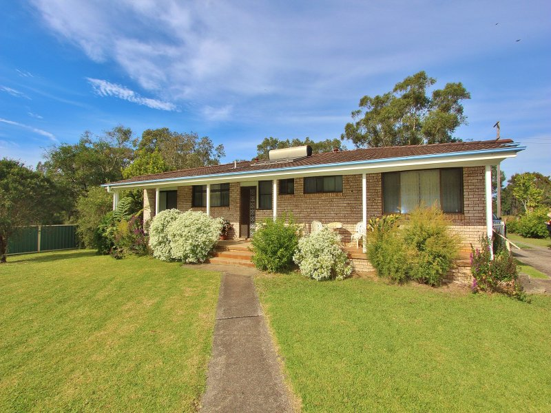 15 Beach Street, Dunbogan, NSW 2443