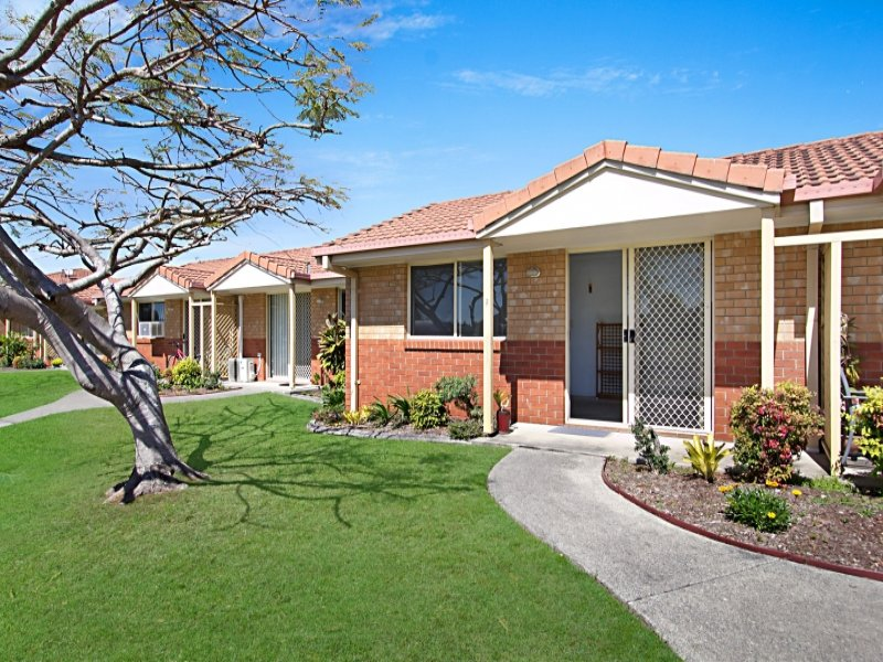 2/74 Greenway Drive 'Carey Cottages', Banora Point, NSW 2486