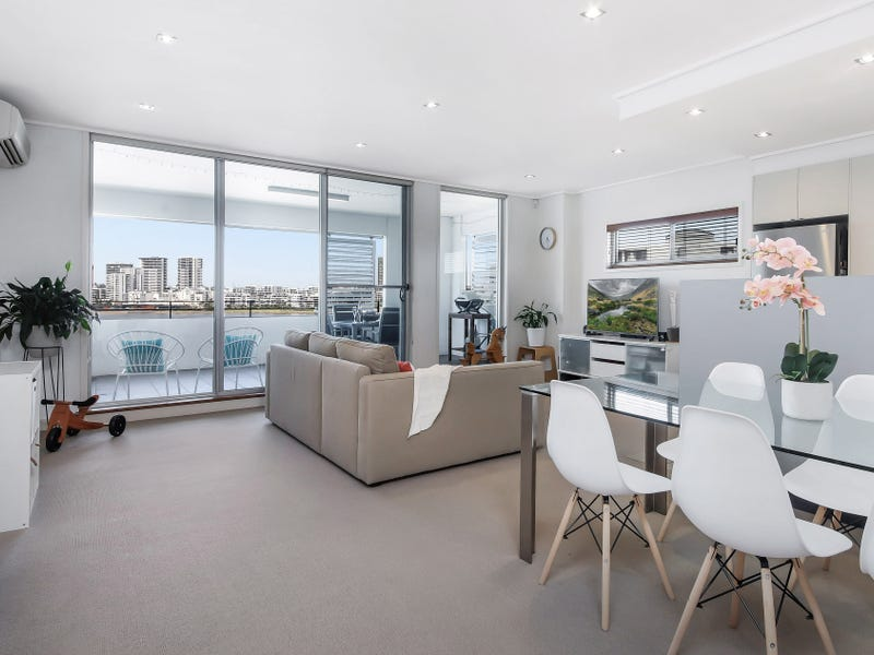 727/25 Bennelong Parkway, Wentworth Point, NSW 2127