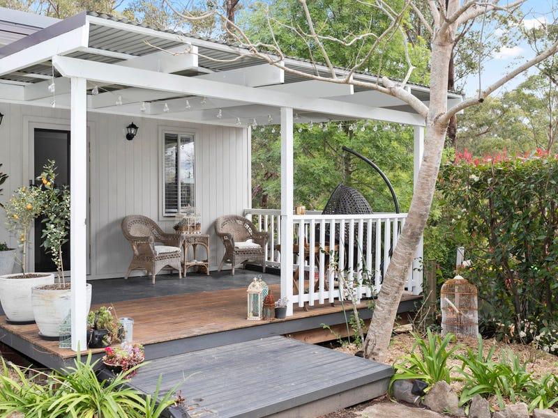 10 Pleasurelea Drive, Sunshine Bay, NSW 2536