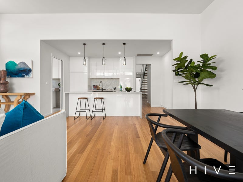 2/4 Barff Place, Chifley, ACT 2606
