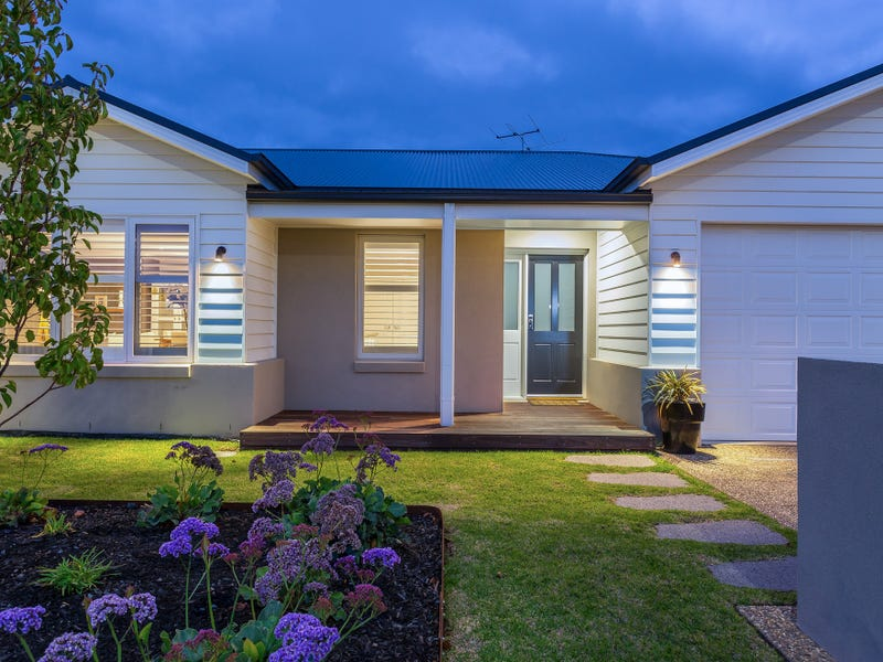 27 Macks Place, Safety Beach, Vic 3936