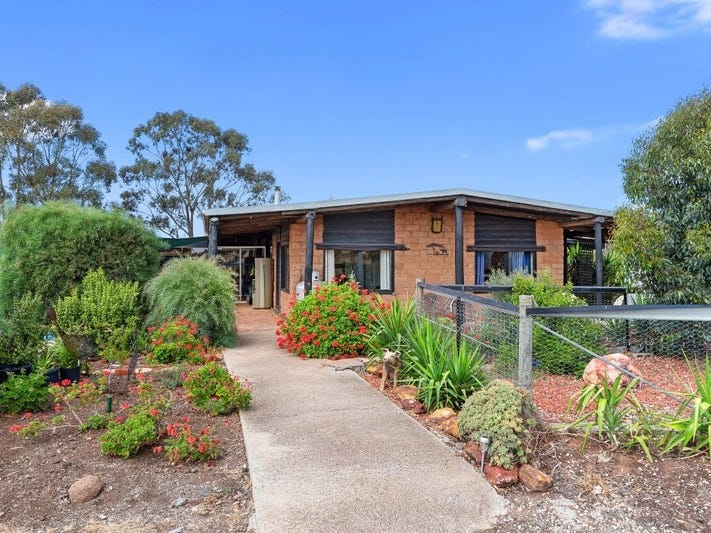 521 Aldridges Road, Neilborough, Vic 3570