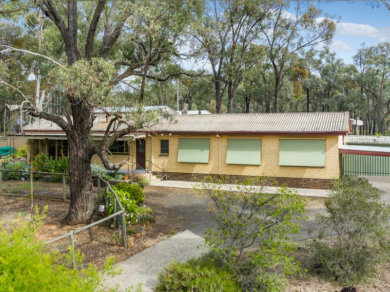 132 Macdougall Road, Golden Gully, Vic 3555