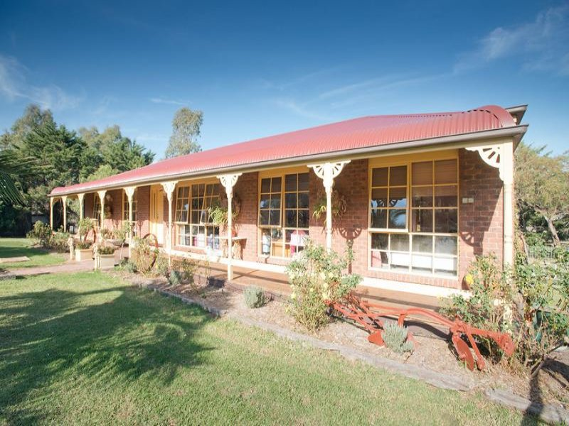 2009 -2033 Diggers Rest - Coimadai Road, Toolern Vale, Vic 3337