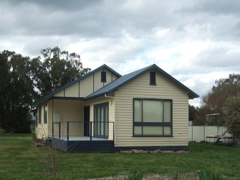 537 Whorouly Rd, Whorouly, Vic 3735