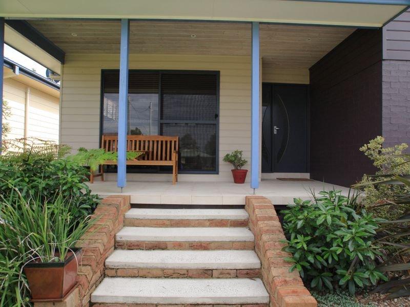 19 Surfway Avenue, Berrara, NSW 2540