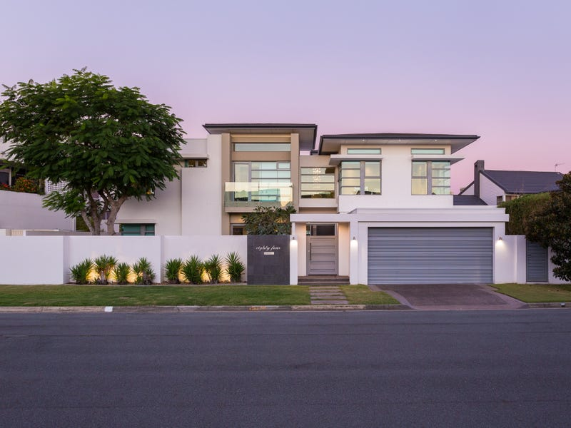84 Commodore Drive, Paradise Waters, Qld 4217