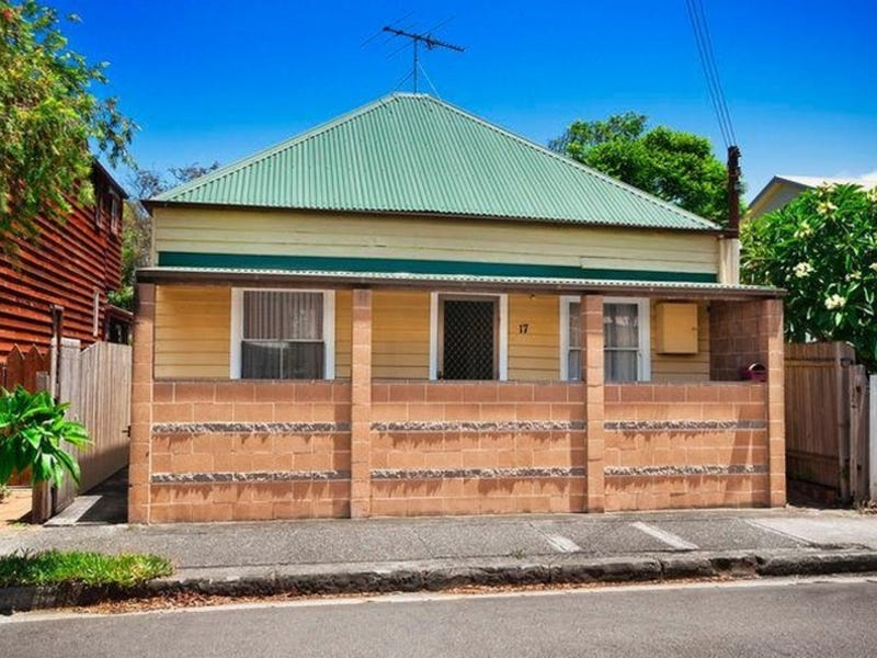 17 Brien Street, The Junction, NSW 2291