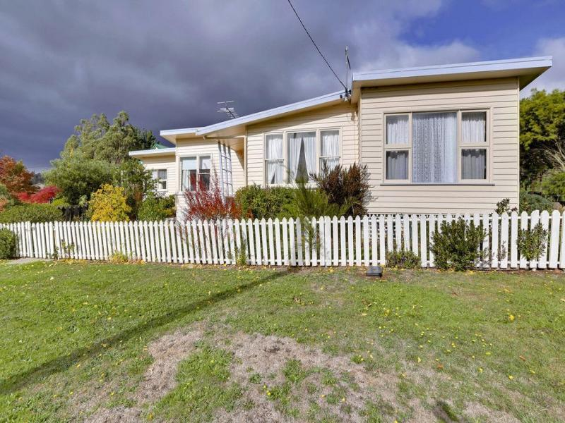 19 The Avenue, Ellendale, Tas 7140