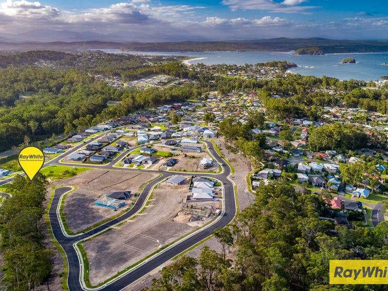 33 Freycinet Drive, Sunshine Bay, NSW 2536