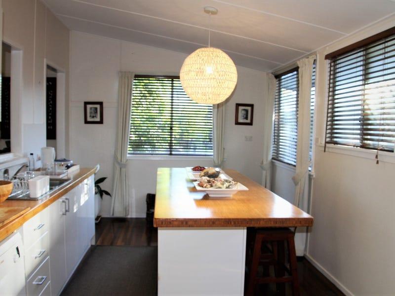56 Matthew Flinders Drive, Cooee Bay, Qld 4703