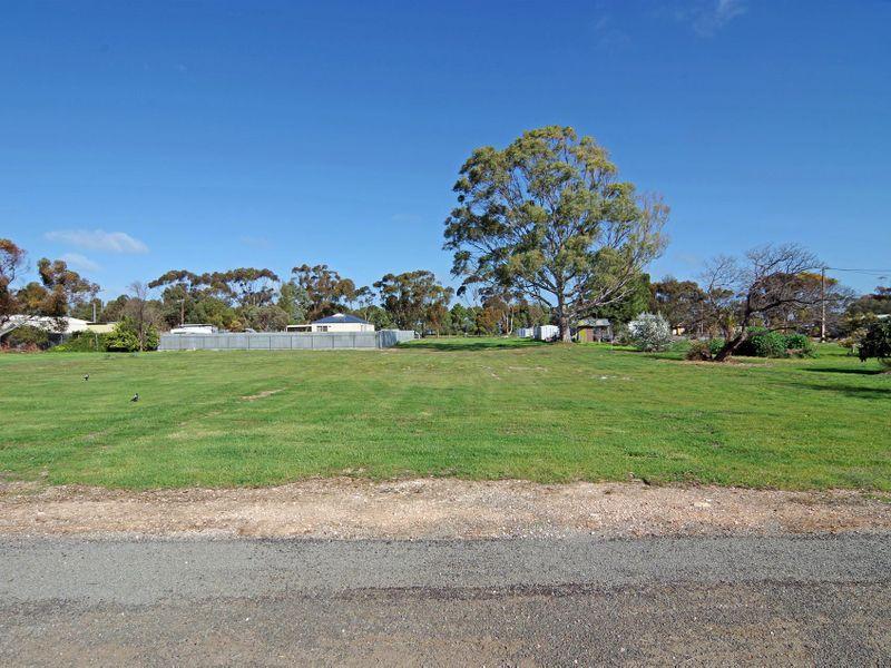 11 Railway Terrace South, Paskeville, SA 5552