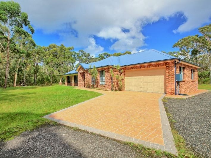 17 James Farmer Grove, Woollamia, NSW 2540