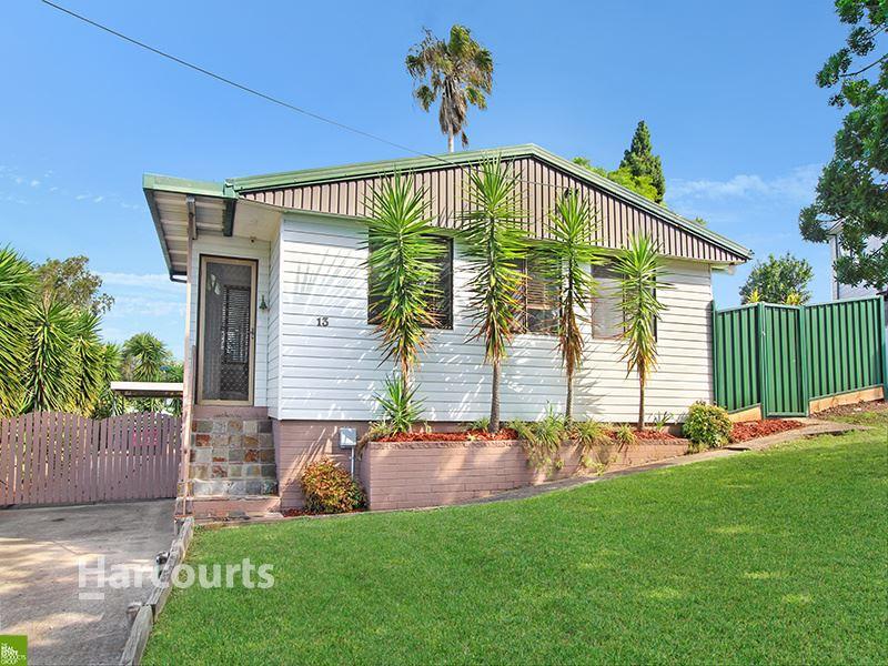 13 Wybalena Avenue, Koonawarra, NSW 2530